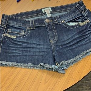 Selling jean shorts